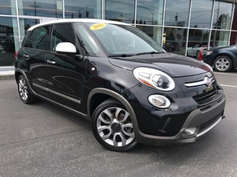 Pre-Owned 2016 FIAT 500L Trekking